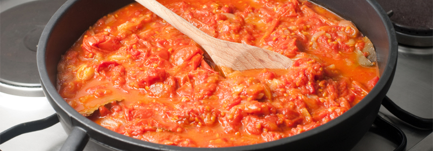 homemade-basic-tomato-sauce